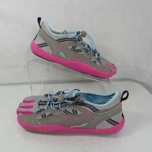 Womens Fila Size 8 Skele Toes Bay Runner Shoes NWT
